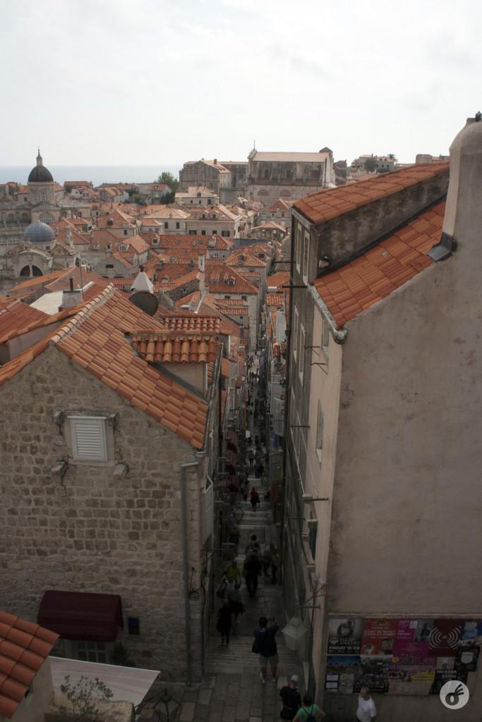 As estreitas vielas, que levam dos muros à alameda principal.