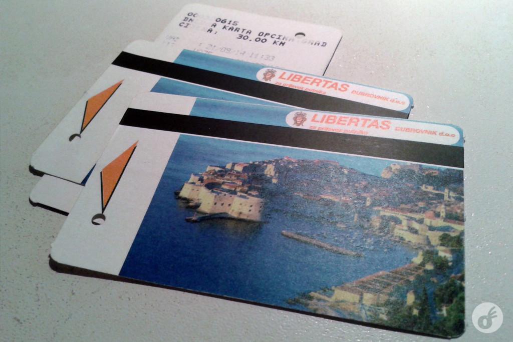 O bilhete diário: não esqueça de validar, pois não há cobrador.
