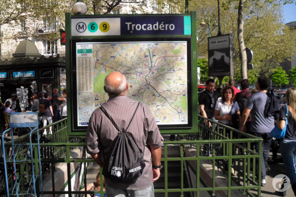 Apresentando Seu Ricardo ao metrô.