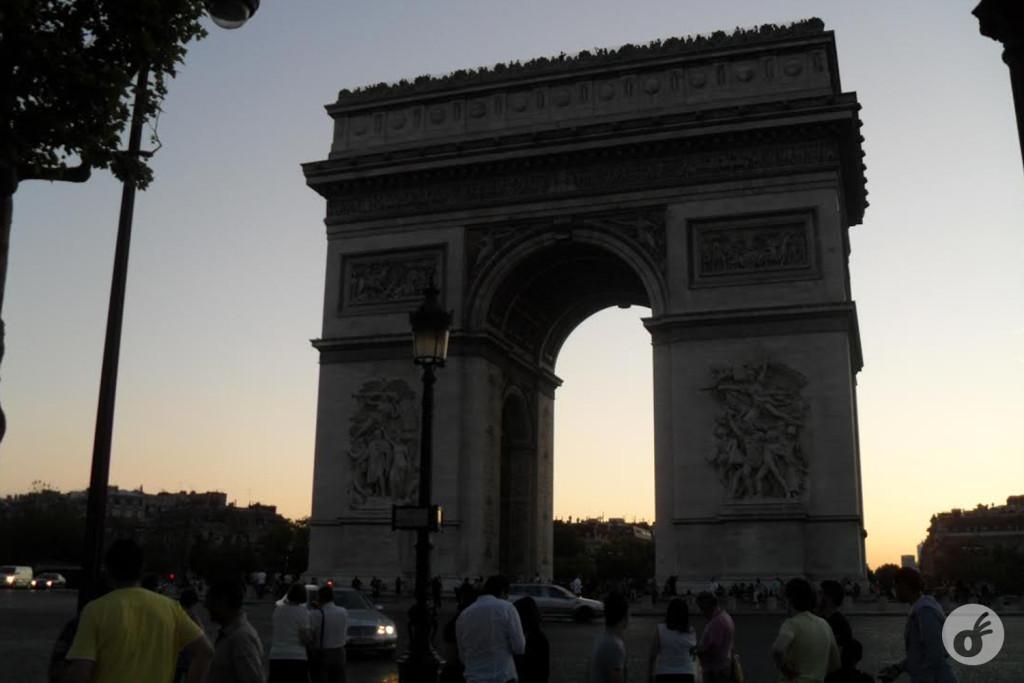 Agora sim, você está em Paris.
