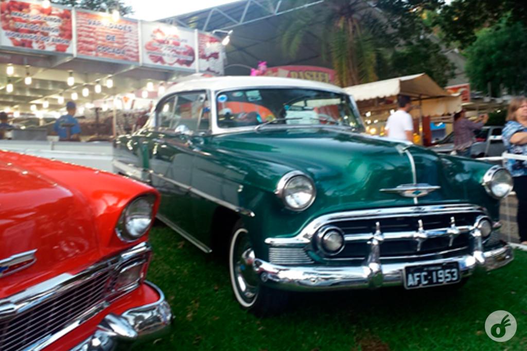 Encontro de carros antigos.