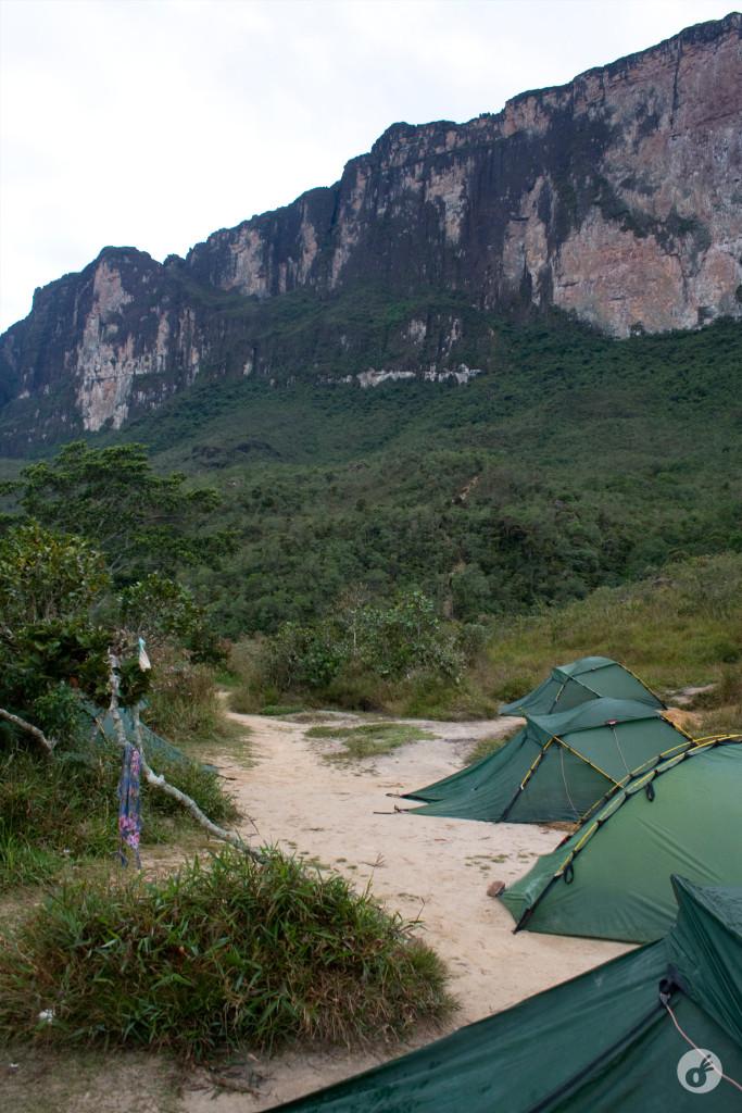 Do acampamento ao topo: um longo caminho.