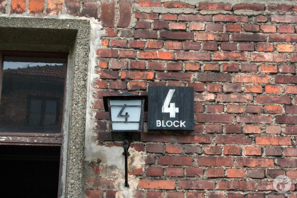 Um detalhe da sinalização dos blocos.