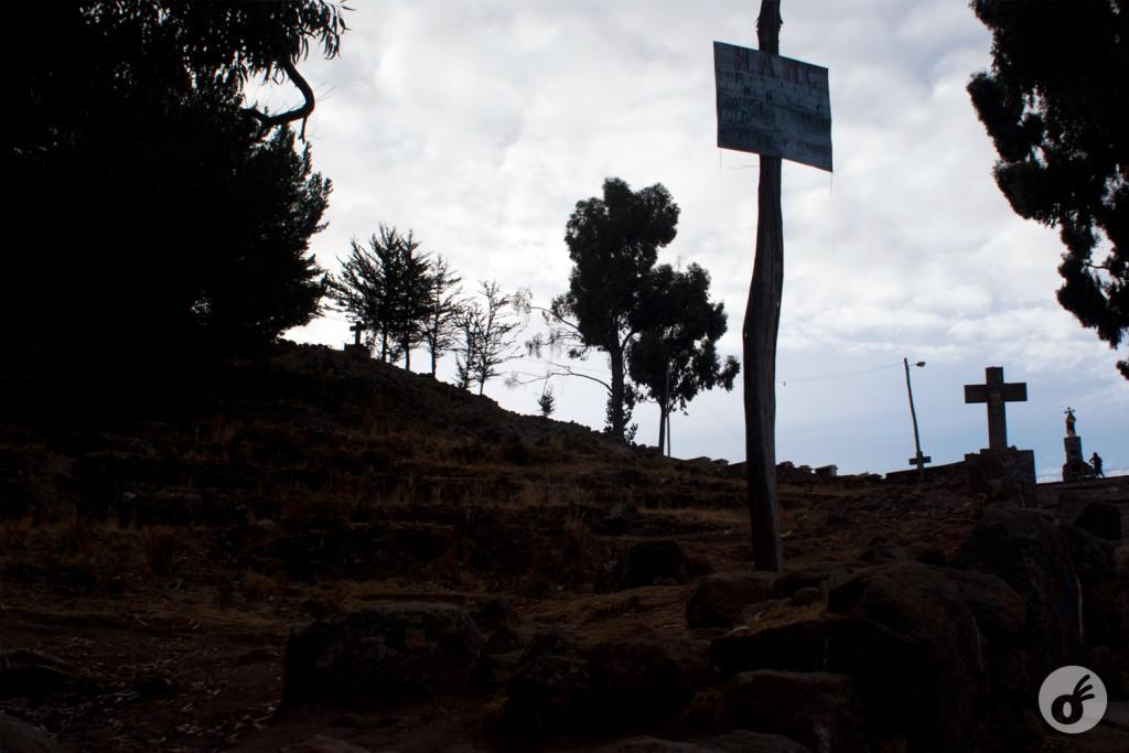 ...das várias cruzes que compõem o caminho do Cerro Calvario.