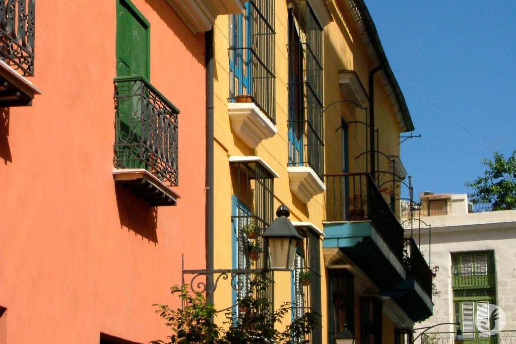 Alguns detalhes da arquitetura e cores cubanas...