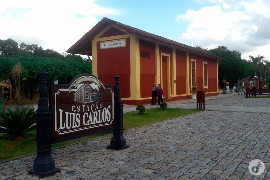 ...à Estação Luis Carlos, que parecia cenográfica...