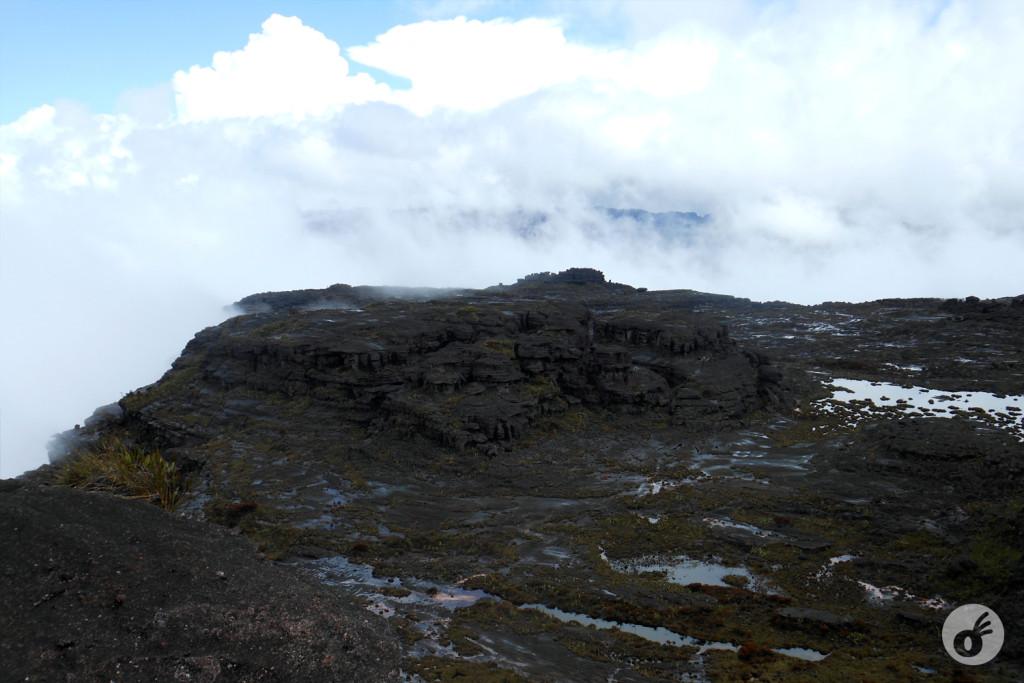 A primeira imagem, só com as nuvens...