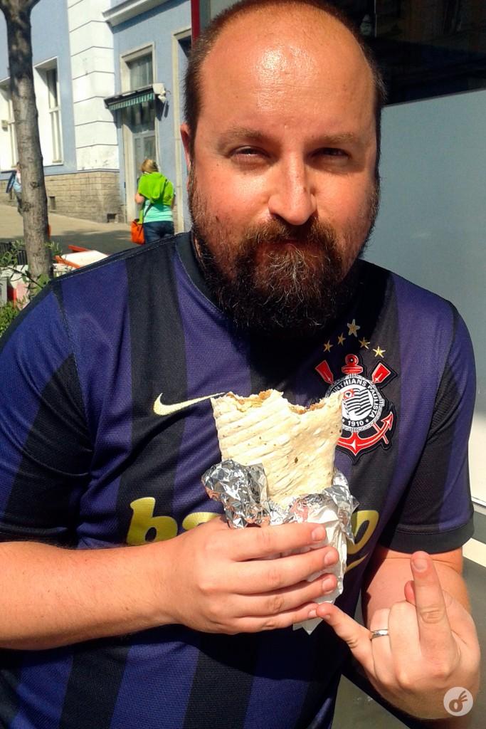 """O kebab em seu formato """"tradicional"""", que é aquele enroladinho. Mas..."""